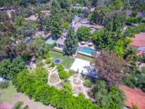 big house, luxury real estate, modern landscaping